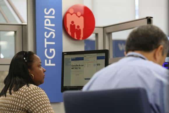 CAIXA antecipa pagamento das contas inativas do FGTS